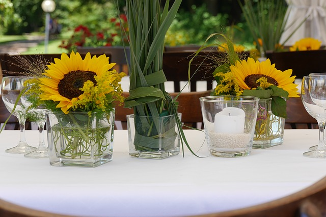 floral-arrangement-845323_640