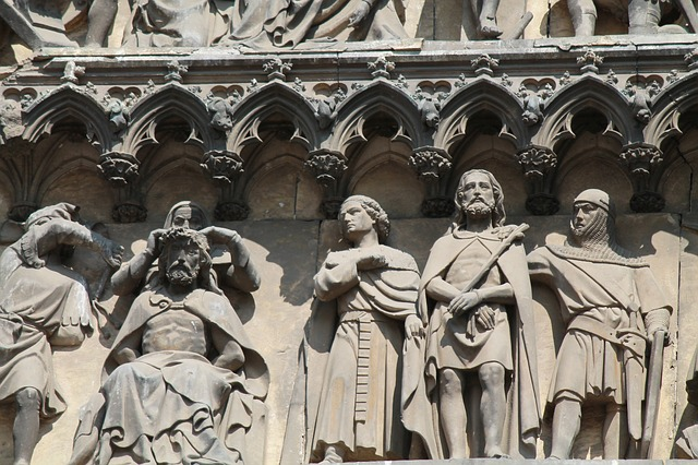 cologne-cathedral-715924_640