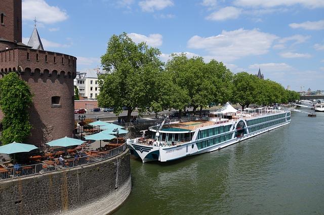 river-boat-814059_640